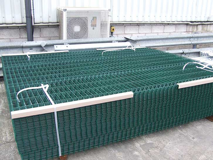 galvanized and powder coated twin wire mesh fencing