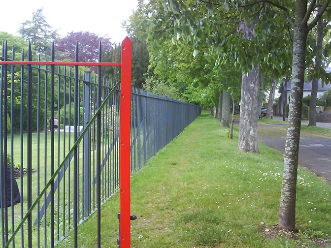 galvanized and polyester powder coated mild steel vertical railings which are complaint with BS 1722 Part 9