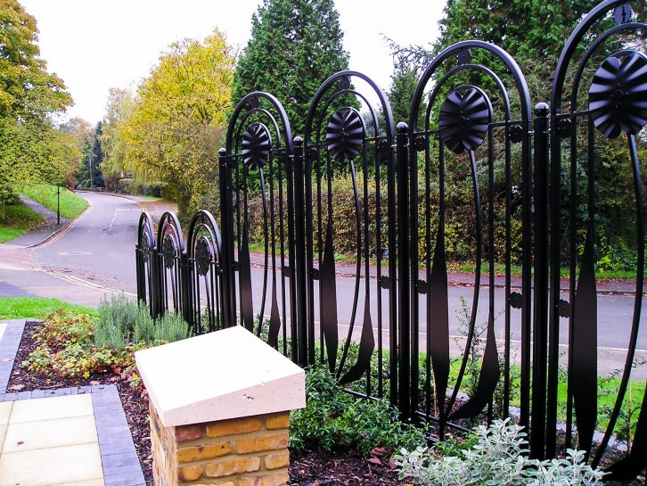 decorative bow top railings with poppy detail galv and poly
