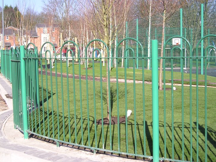 bow in bow top railings to park perimeter