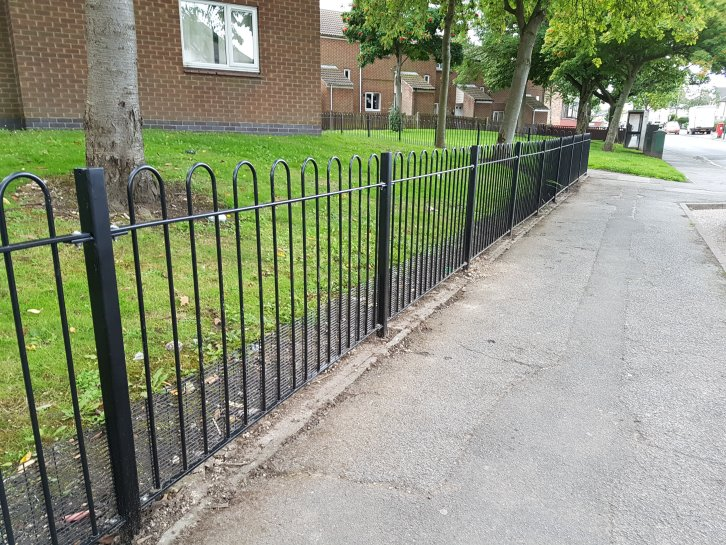 galvanized and powder coated bow top railings with dog proof mesh