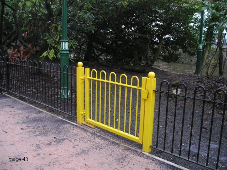 galvanized and powder coated mild steel bow top gate