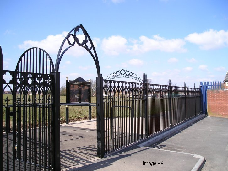 Decorative arched top gates with feature diamonds
