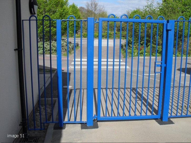 galvanized and powder coated mild steel play spec bow top gate