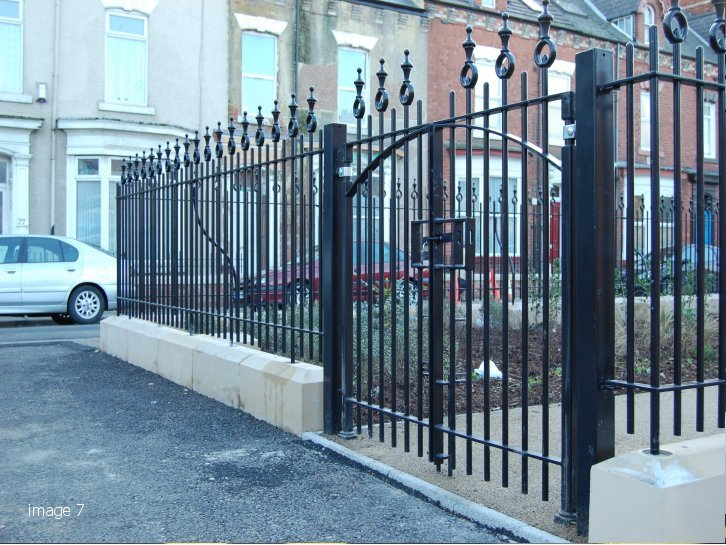 Decorative double leaf gate