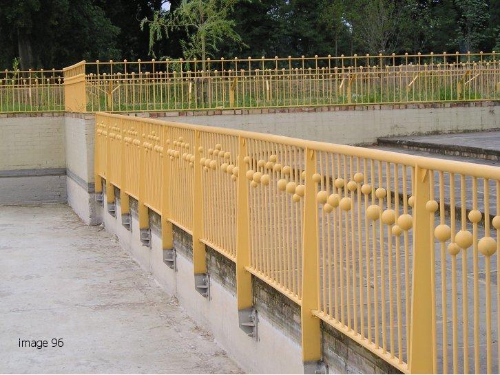 Bespoke metal railings with sphere details