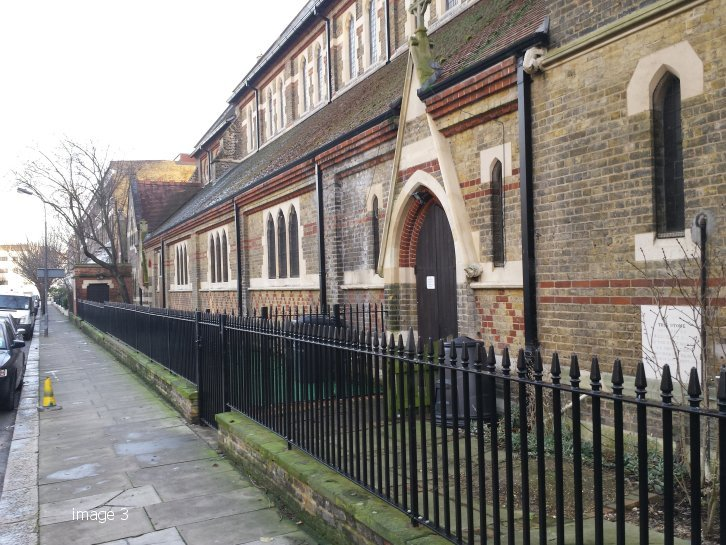 Kennington style vertical bar railings