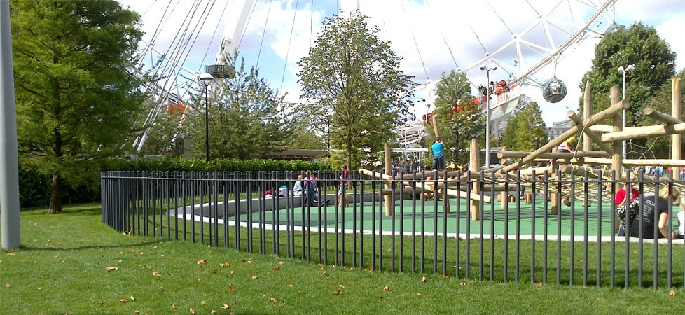 galvanized and powder coated mild steel bespoke vertical bar railings to Jubilee Gardens which are complaint to BS 1722 Part 9.