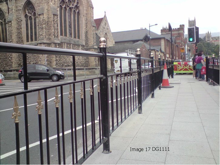 Pedestrian Guardrail – What is BS7818:1995?