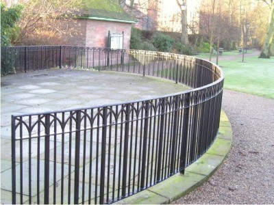 Radiusing metal railings