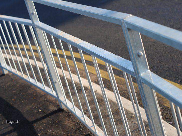 galvanized and mild steel SM2 Pedestrian Guardrail