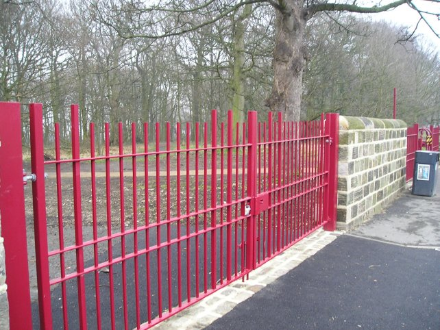 galvanized and polyester powder coating railings gates laser profiled motifs anti cycle barriers