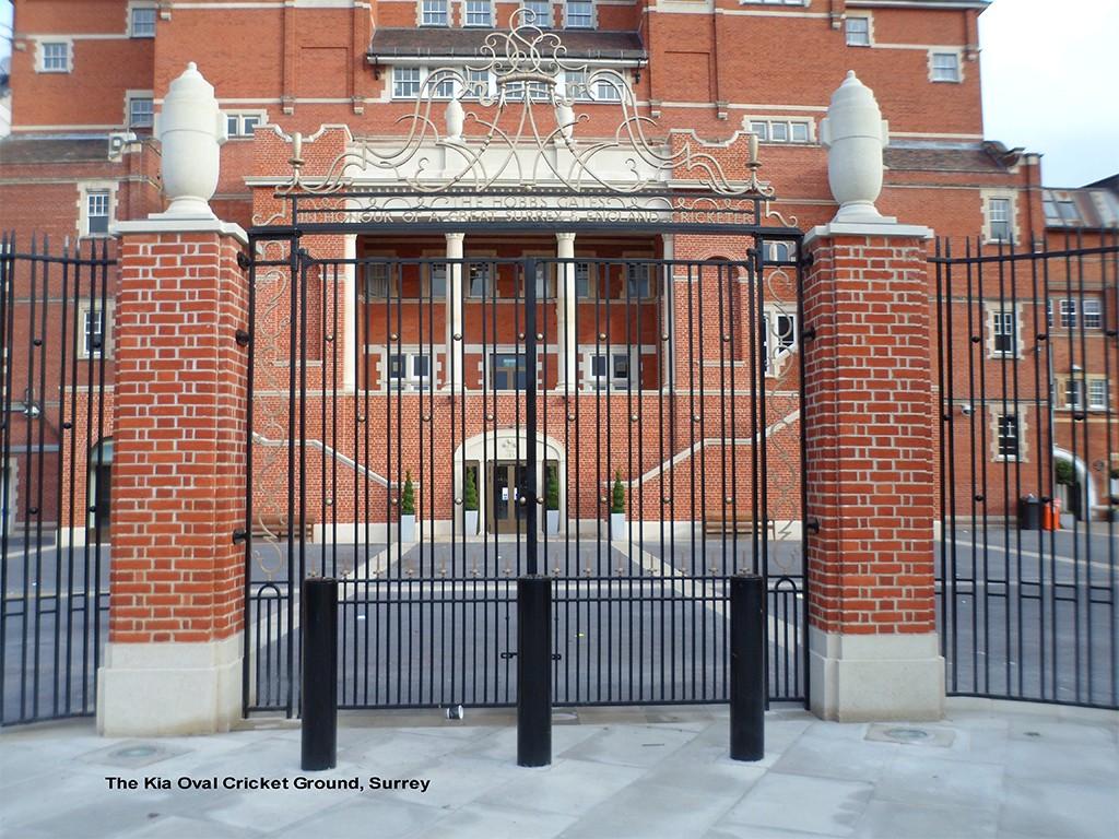 Prestigious build site railings and gates