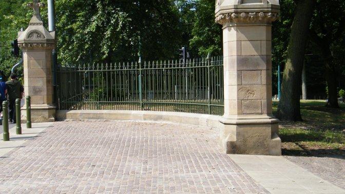 railings replaced into refurb stone plinths