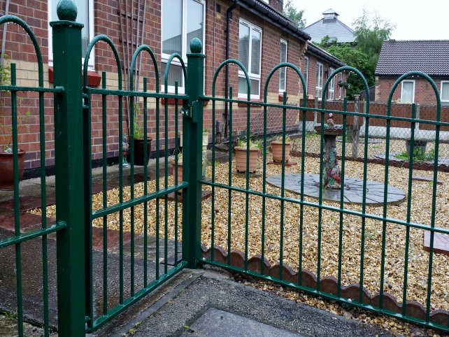mild steel galvanized and powder coated decorative bow top railings to perimeter boundary