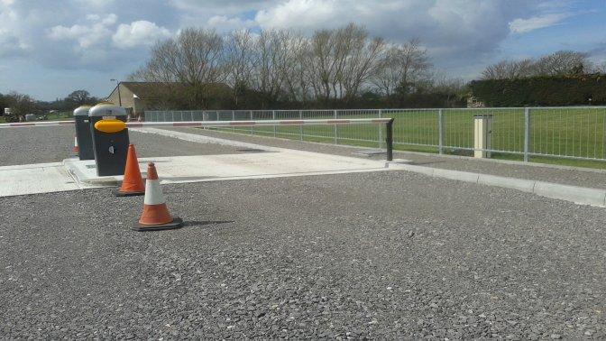 type M1 galvanized pedestrian guardrail
