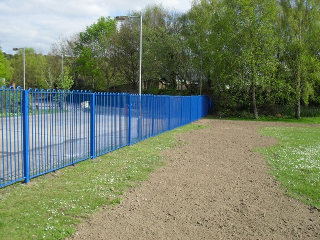 galvanized and powder coated mild steel play spec railings