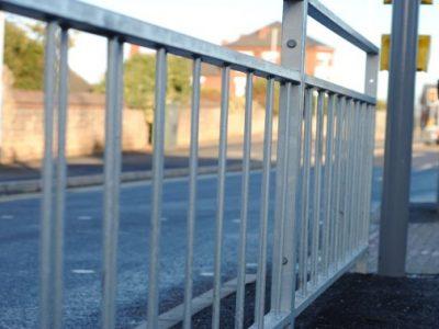 galvanized SM2 pedestrian guardrail