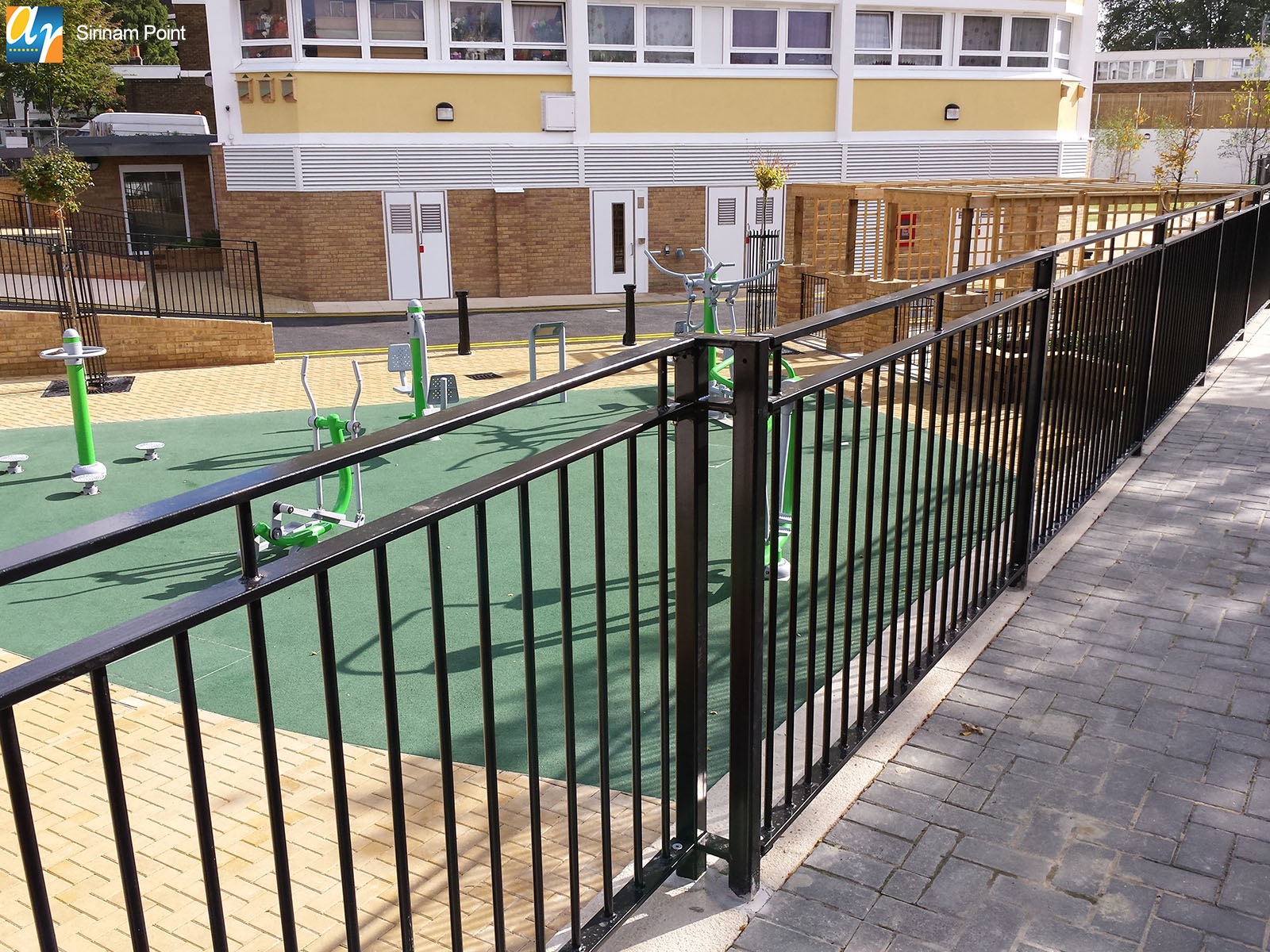 Sirinam Point flat top metal railings