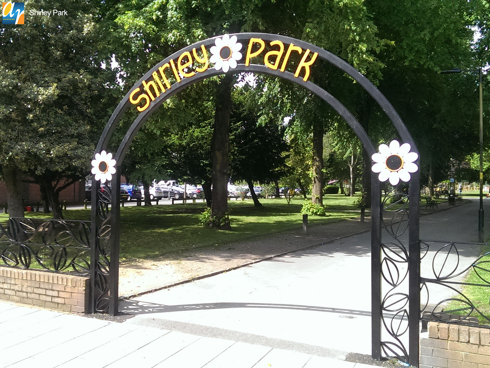 Shirley Park decorative archway