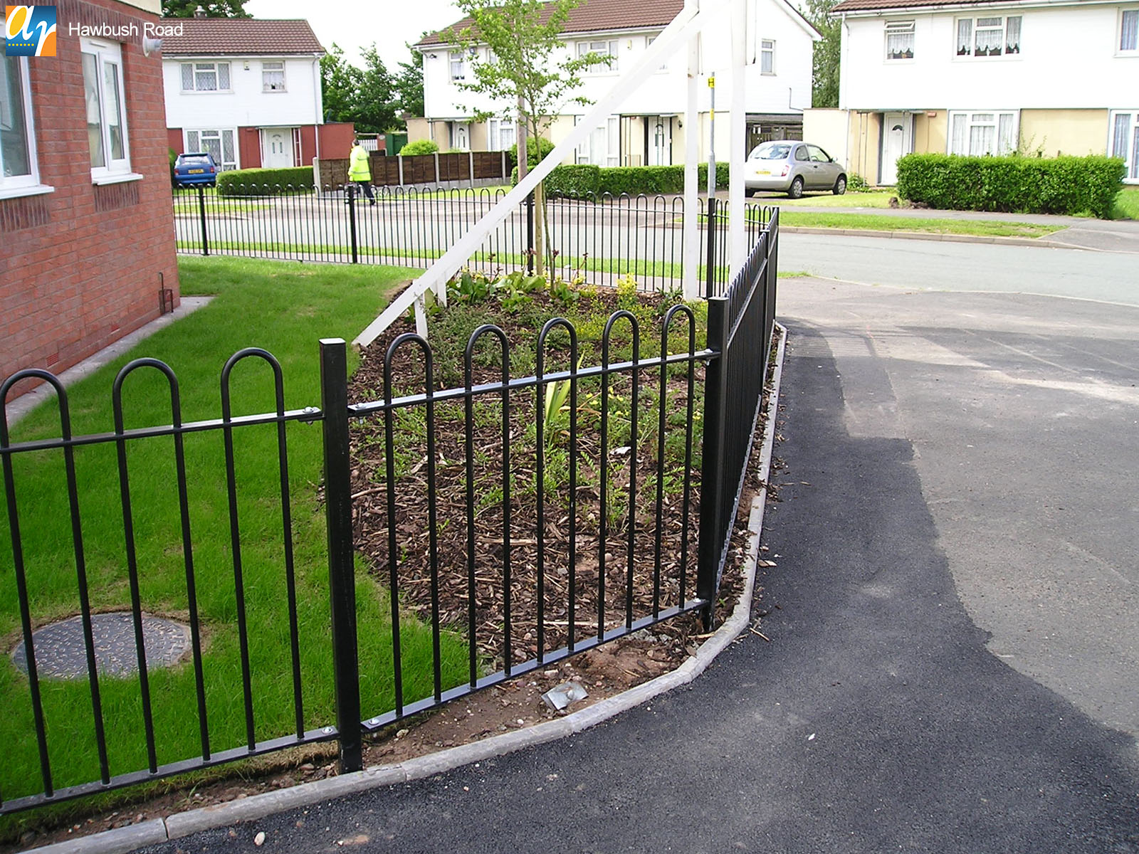 Hawbush Road standard bow top railings