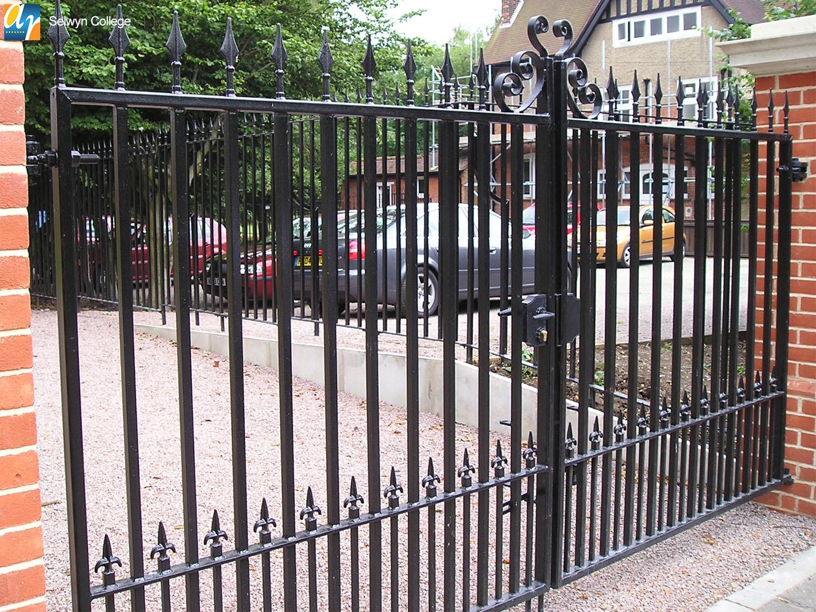 Selwyn College metal gates