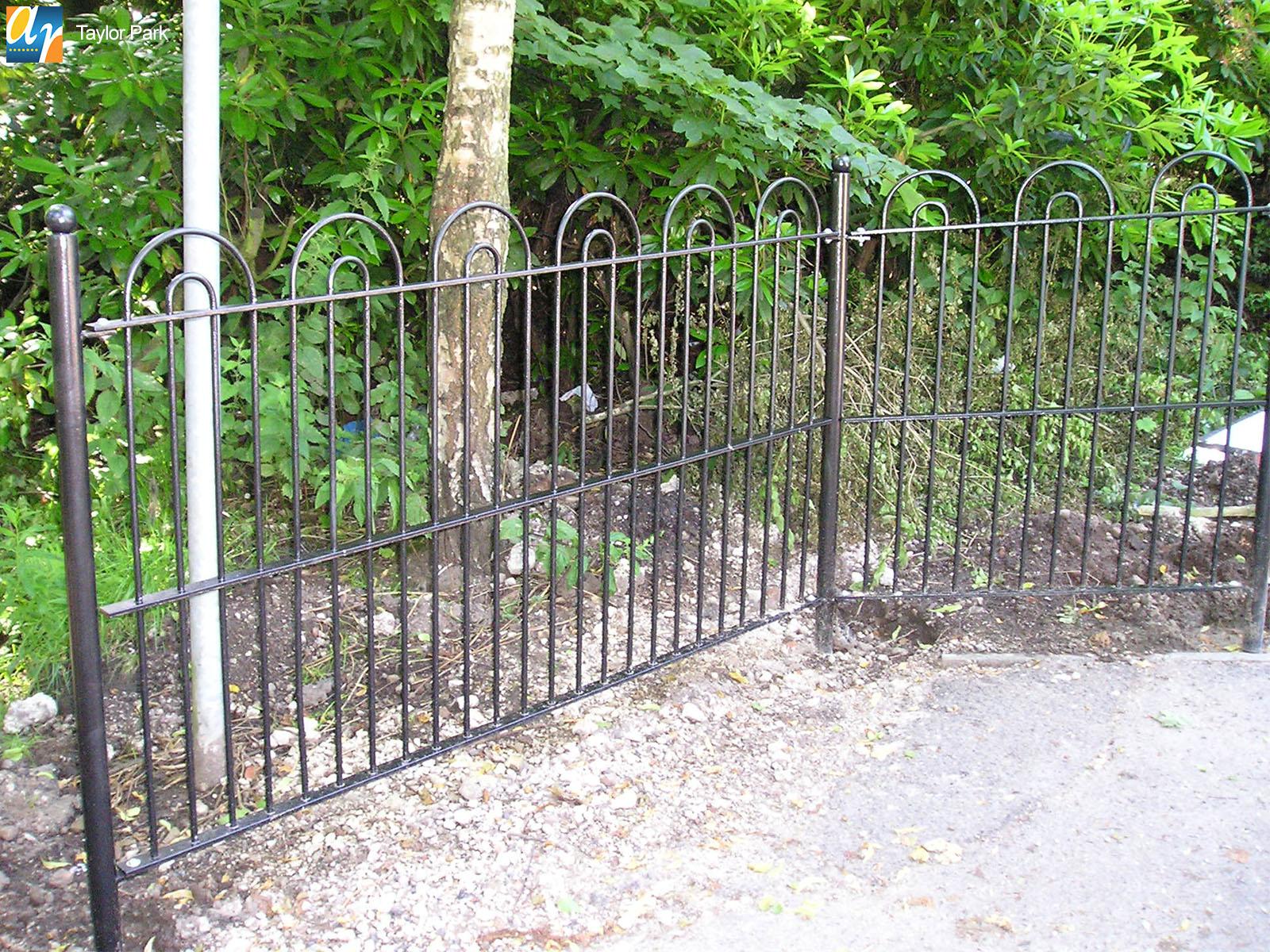 Taylor Park Holinwell bow top railings