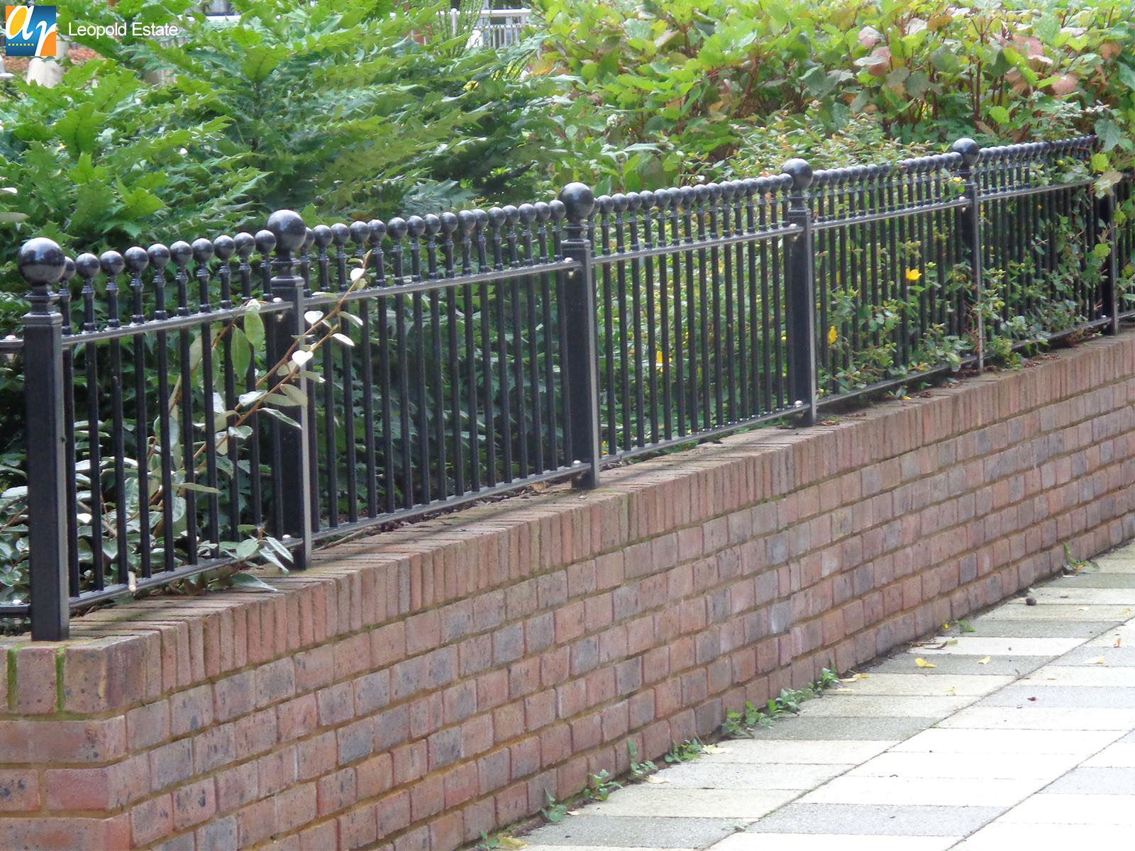 Leopold Estate Humber vertical bar railings