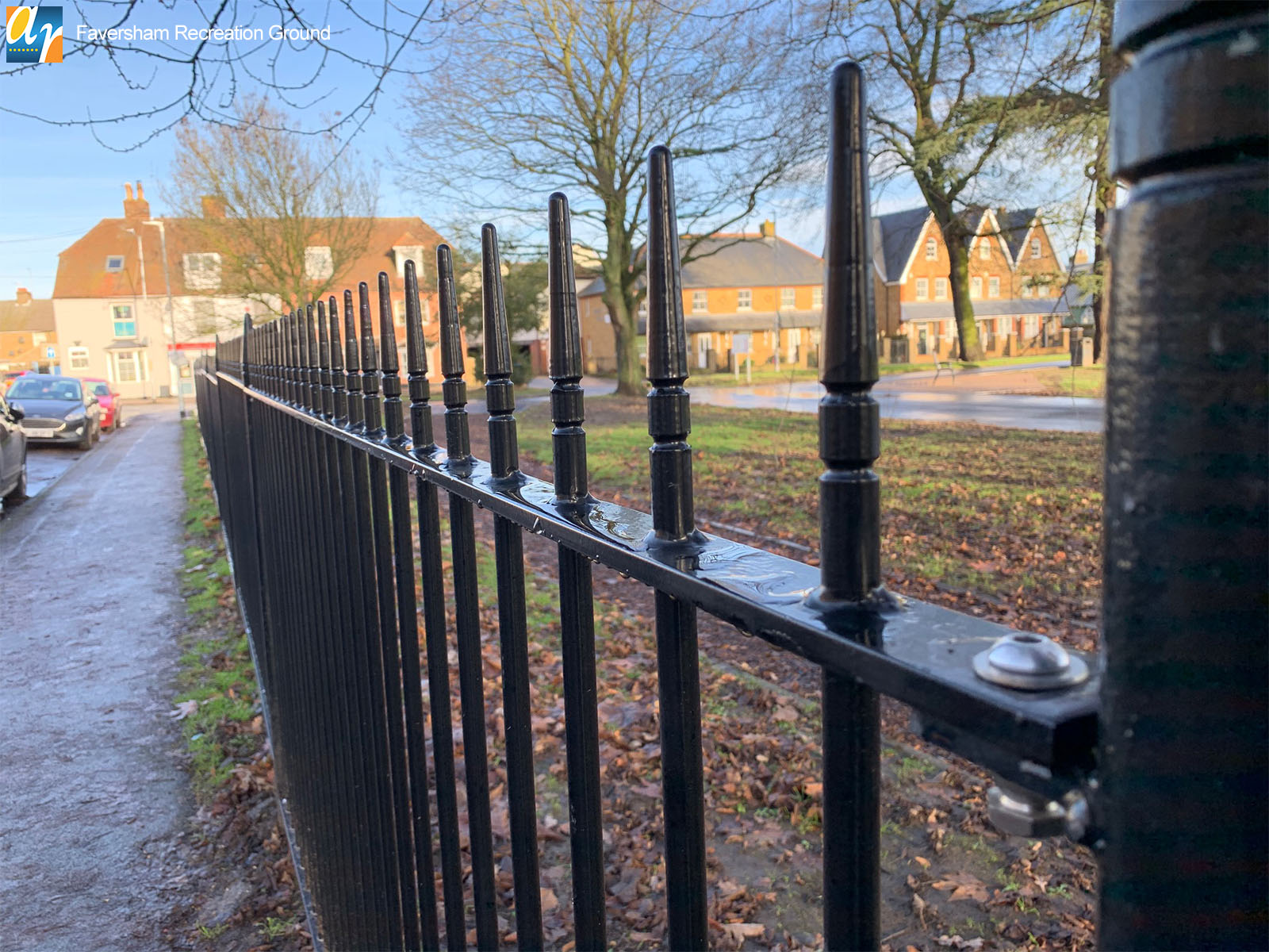 Albany vertical bar metal railings